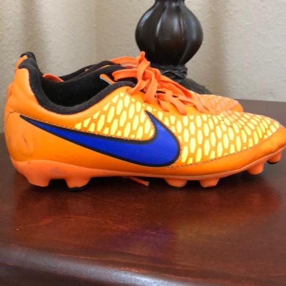 Nike Magista Opus II SG PRO Anti Clog 889254 R GOL.com